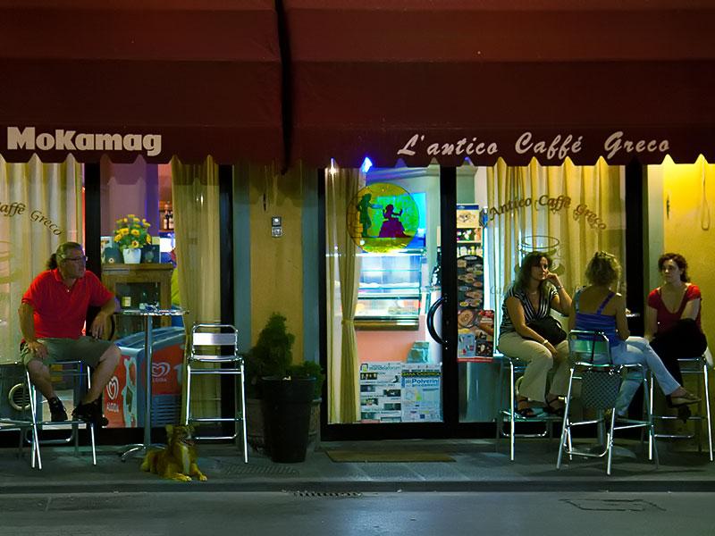 L'antico caffé greco in piazza Marsilio Ficino