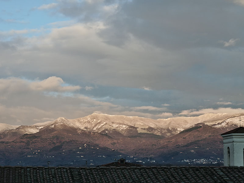 Panorama del Pratomagno visto da Figline Valdarno