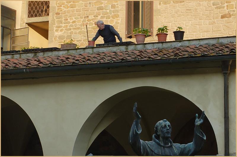 Il chiostro della convento di San Francesco a Figline