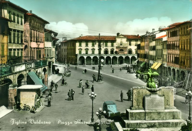 Piazza Ficino a Figline Valdarno, cartolina antica