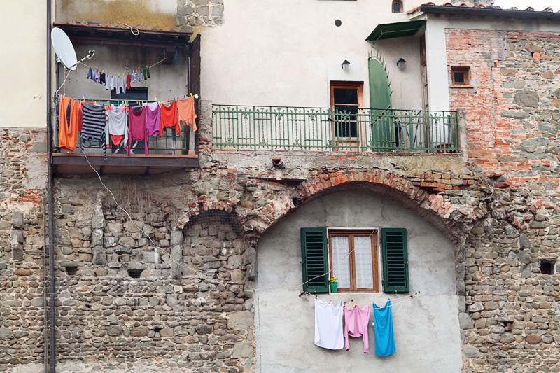 Parte delle antiche mura di Figline riciclate come civile abitazione